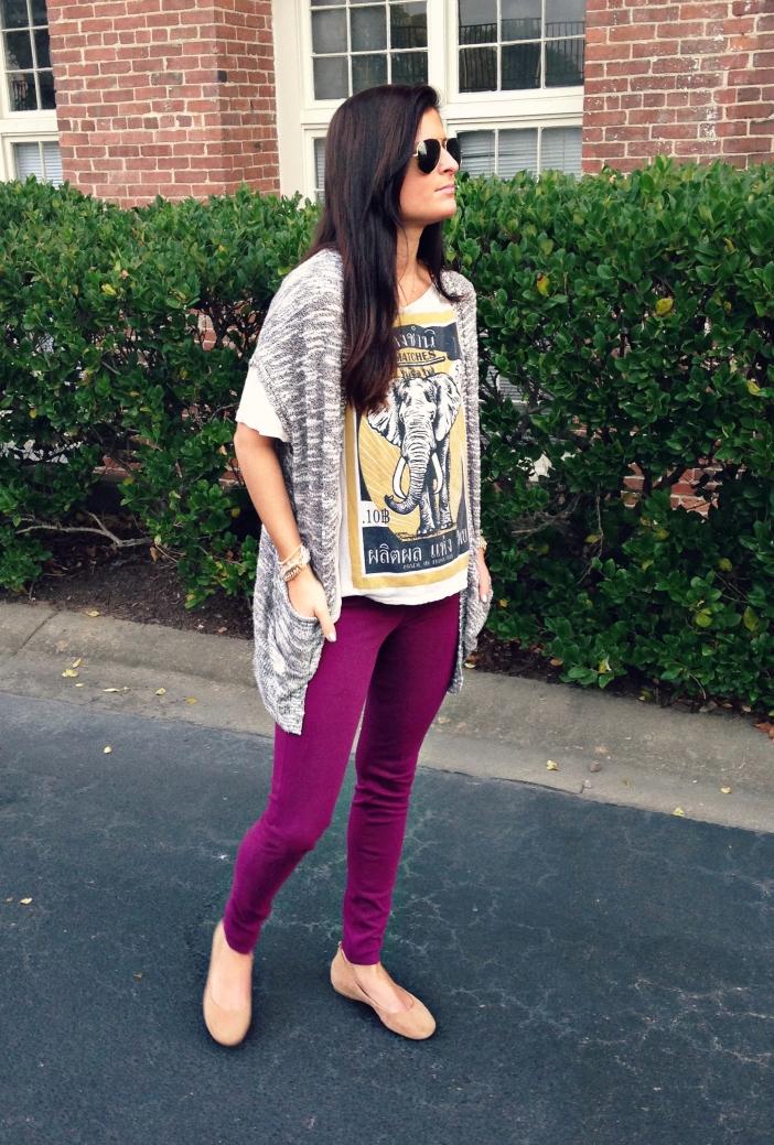 cbb1eca0c Wearing: Uniqlo leggings | Urban Outfitters tee – similar | Nollie cardigan  | J Crew flats